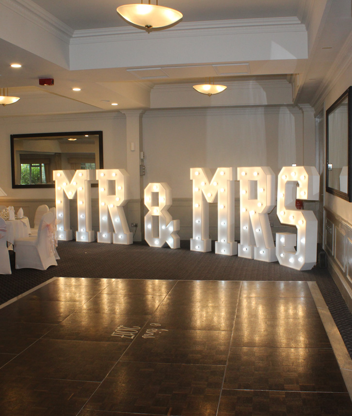 MR & MRS Letters Hire In Midlands