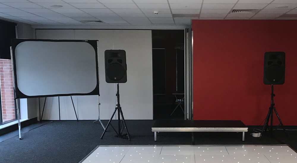 Front & Rear Projection Screen Throughout the Midlands