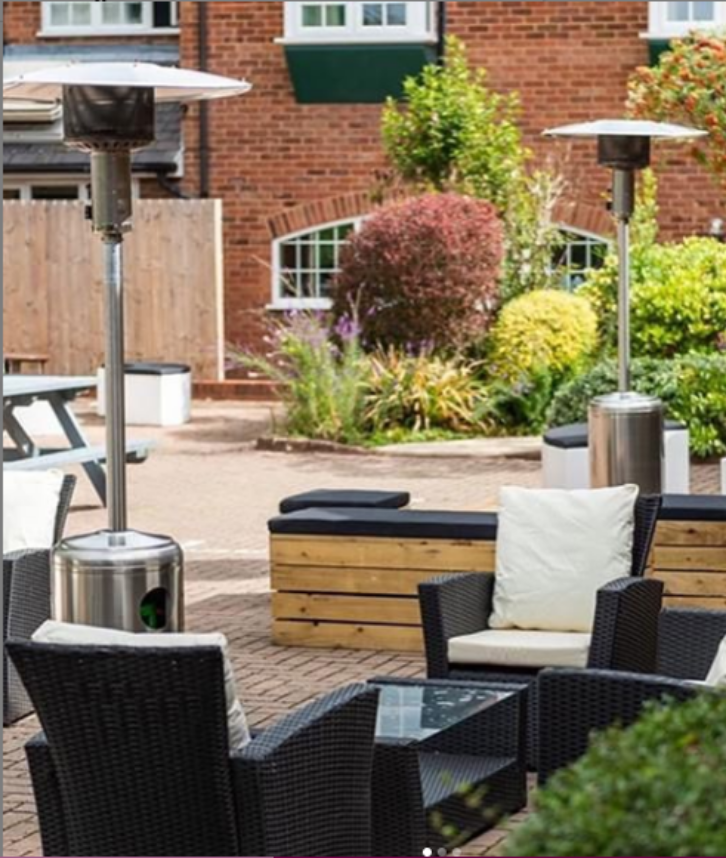 Outdoor patio heater hire in the midlands