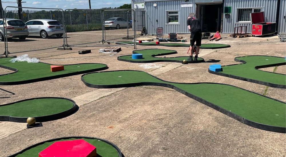 Mini Crazy Golf Hire Midlands
